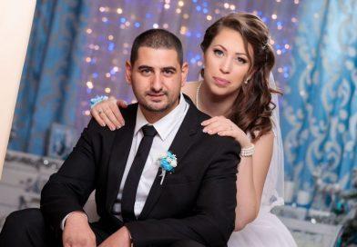 Младоженци отказаха цветя за сватбата, дариха парите за лечението на деца